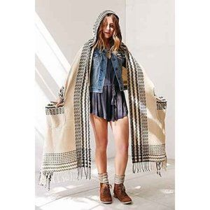 Ecote hooded Aztec poncho scarf with pockets